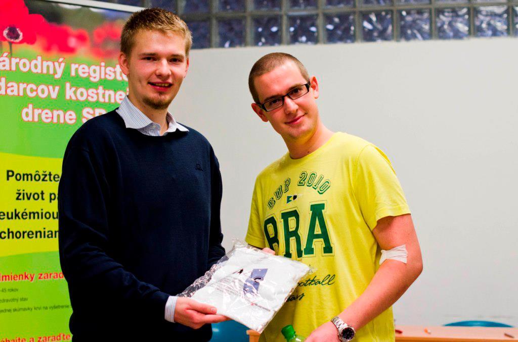 Vľavo Ľubo Blišák na Študentskej kvapke krvi