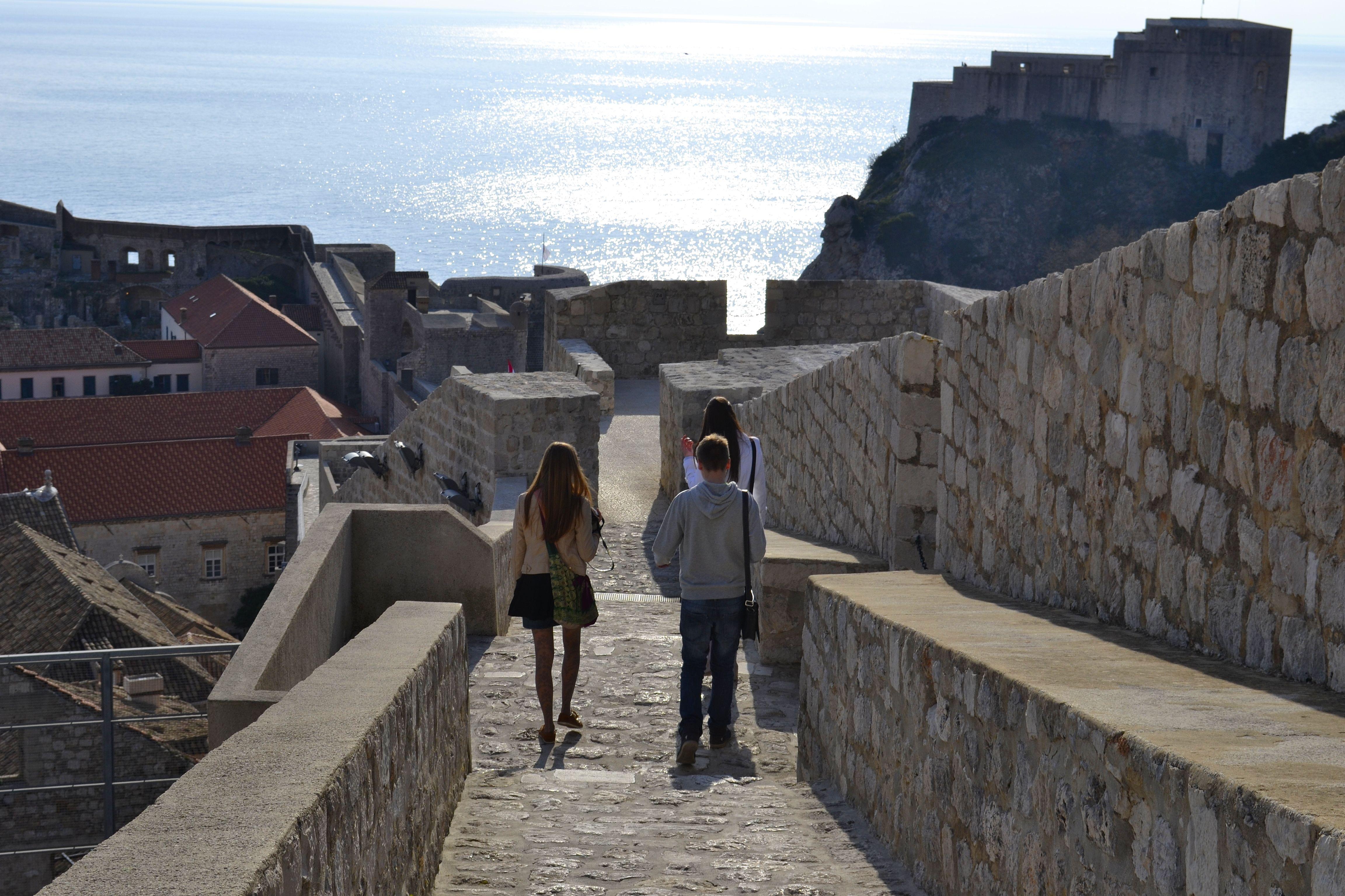 prechadzka po hradbach