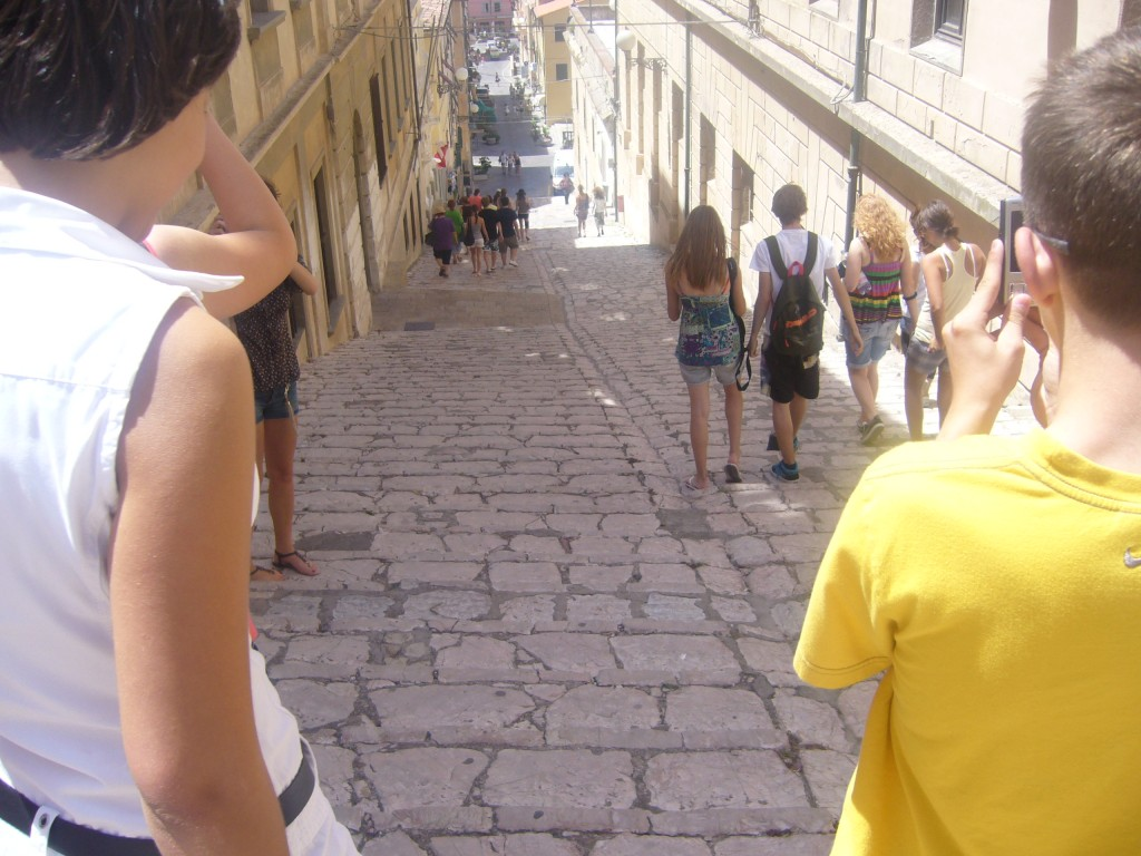 Typické úzke uličky, po ktorých sa tiahli malé obchodíky a kaviarne