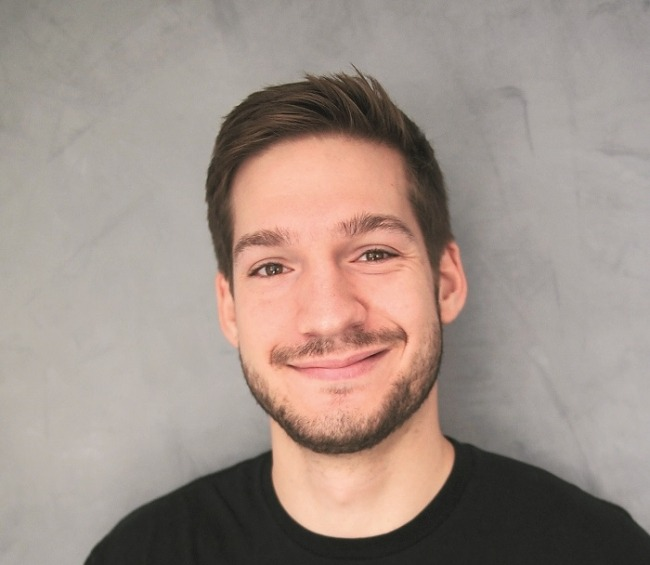 Úspešný absolvent FMK Juraj Kováč: Nebol som ukážkový študent. Čo sa dalo odfláknuť, to som odflákol
