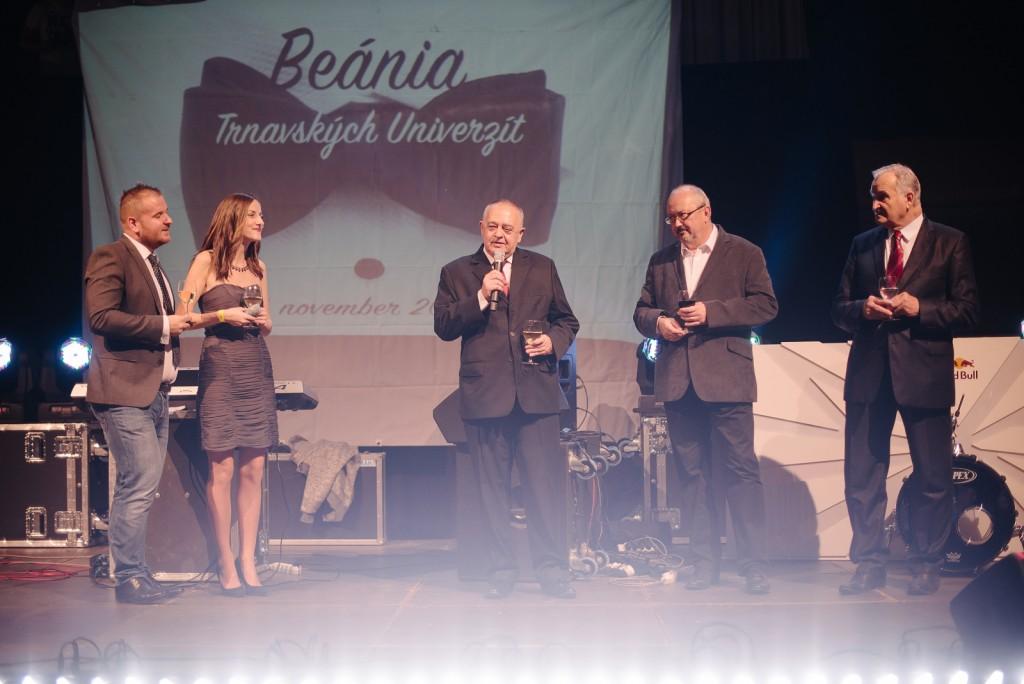 Beania-trnavskych-univerzit_2015_Gelko_01