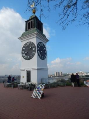 Pri týchto hodinách sa fotí zrejme každý návštevník Nového Sadu. Sú jedným z najznámejších symbolov tohto mesta.