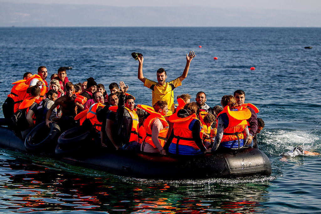 Na takýchto člnoch sa plavia imigranti po Egejskom mori.