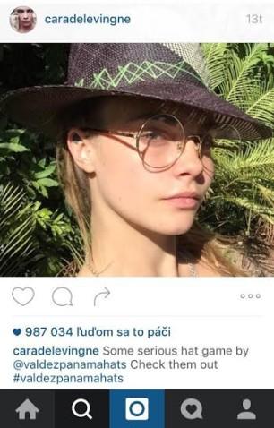 Cara Delevingne propaguje na svojom profile aj klobúky