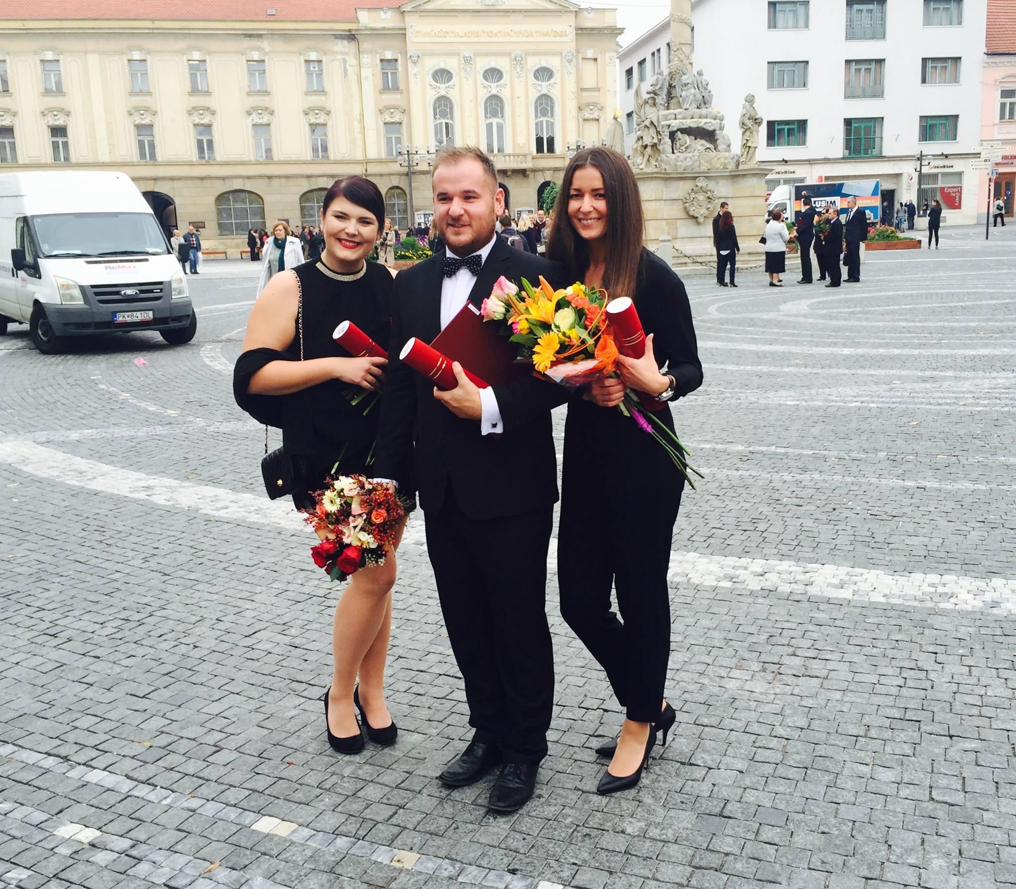 S Radkou Buricovou a Andrejom Brníkom končili doktorandské štúdium rovnaký rok
