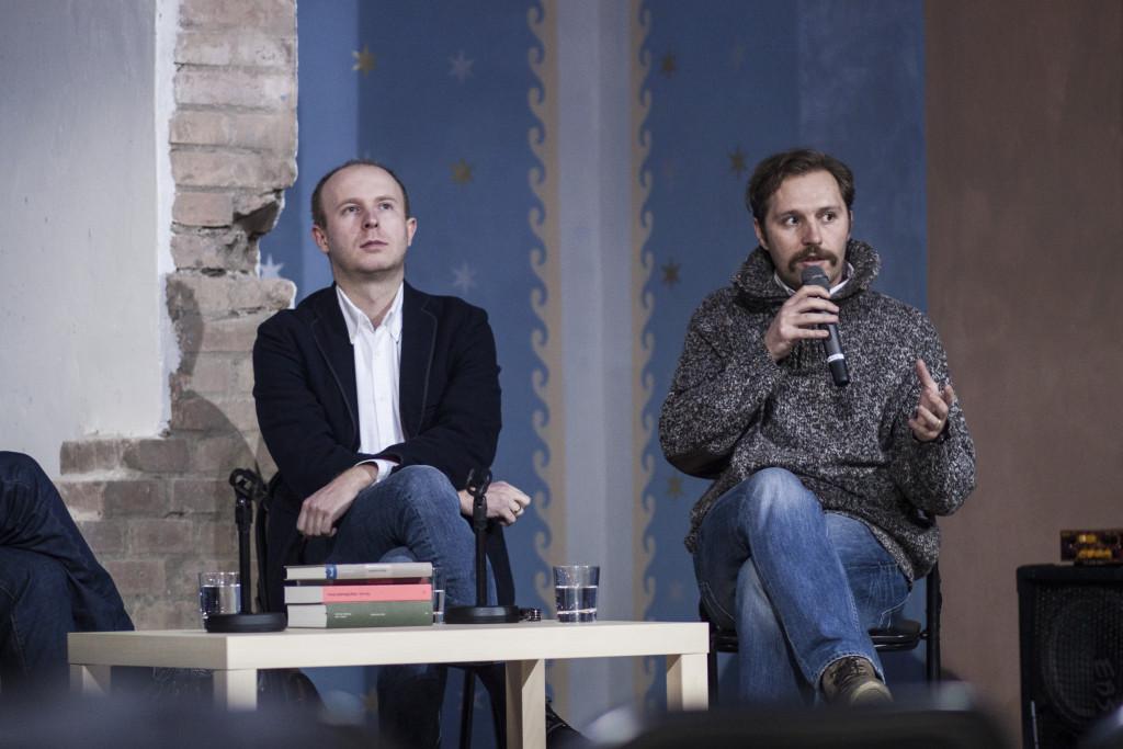 Zakladatelia vydavateľstva Absynt Filip Ostrowski a Juraj Koudela počas festivalu spisovateľov Ypsalon v Trnave. 2016