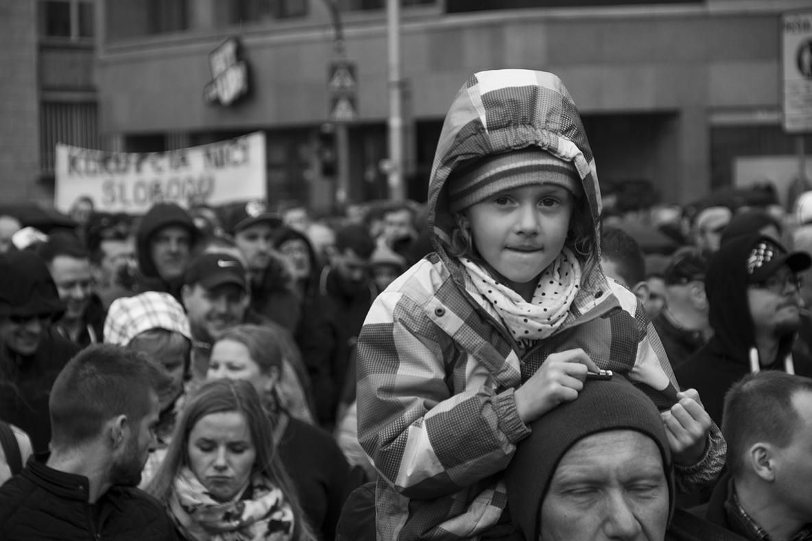 Okrem študentov sa na pochode zúčastnili aj rodiny s deťmi a starší ľudia