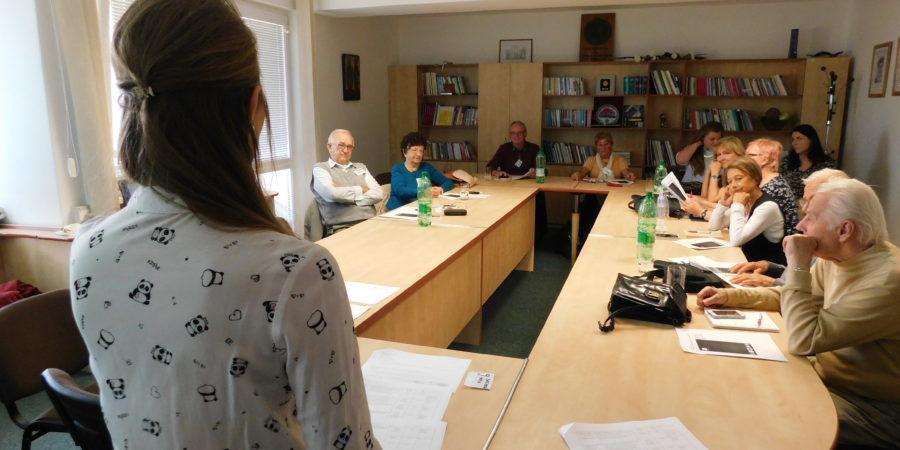 FMK učila seniorov používať smartfóny či WhatsApp