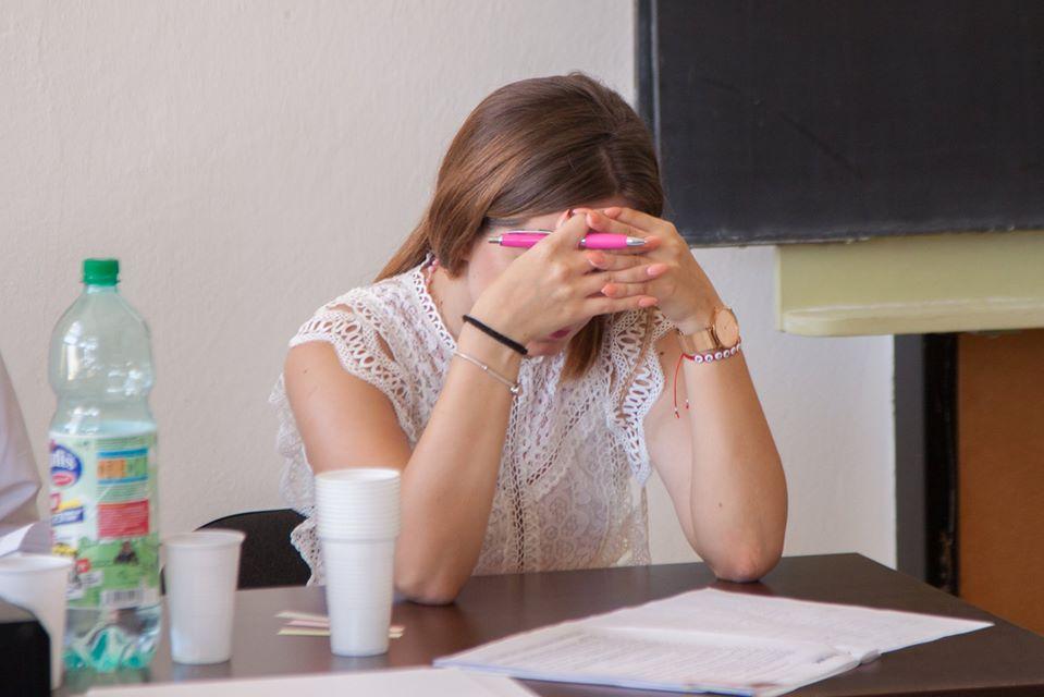 Všetko o štátniciach na FMK. Prečo dopadli zle a čo na sťažnosti študentov hovorí vedenie fakulty?