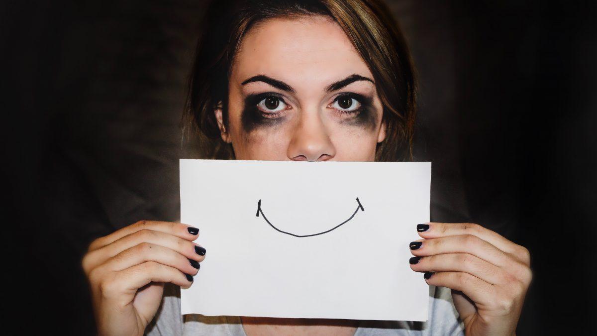 Máme iný sklon hlavy a vyššie percento duševných chorôb. Generáciu FOMO Sapiens ničia sociálne siete