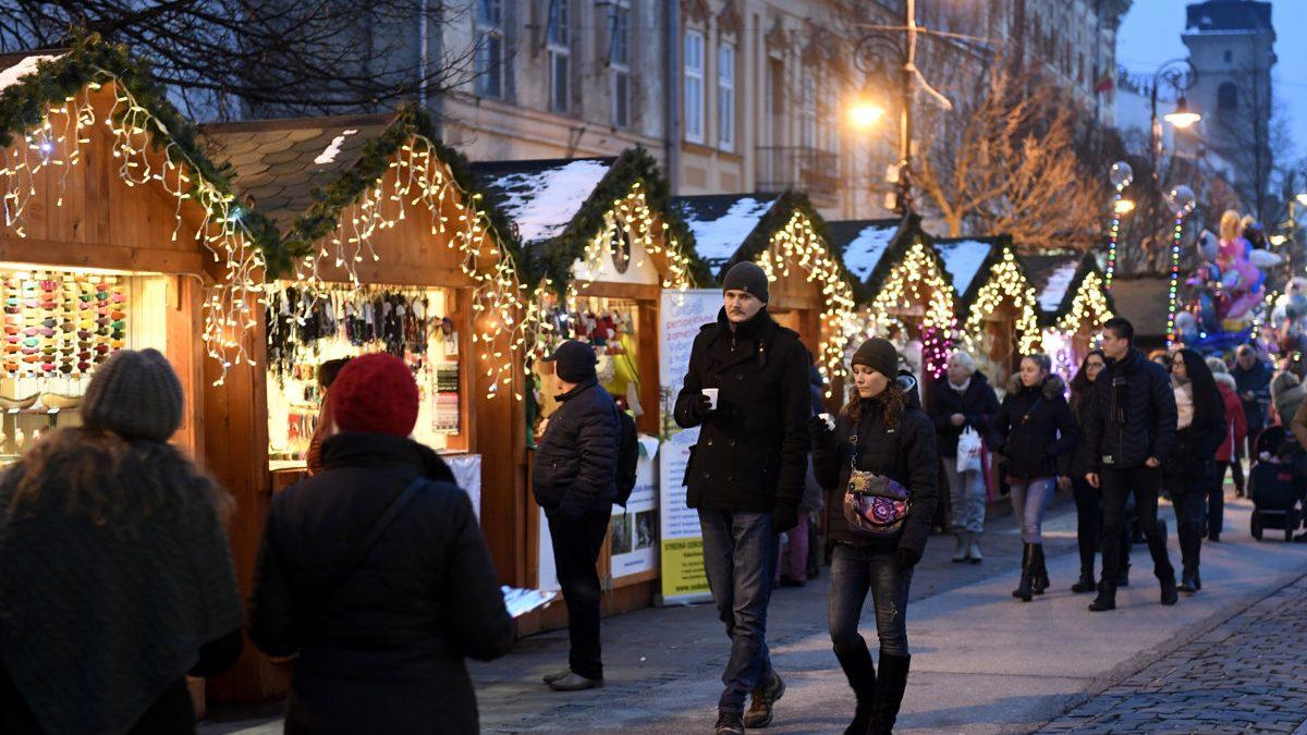 Tanier z cukrovej trstiny či drevený príbor. Trnavské vianočné trhy zaviedli ekologickú zmenu