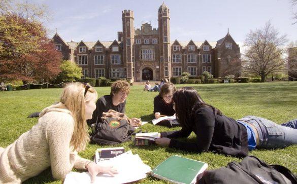 Erasmus, študenti, štúdium, doma, zahraničie, prax, škola