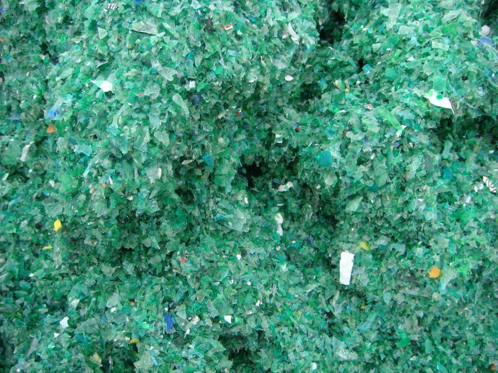 surovina z plastu