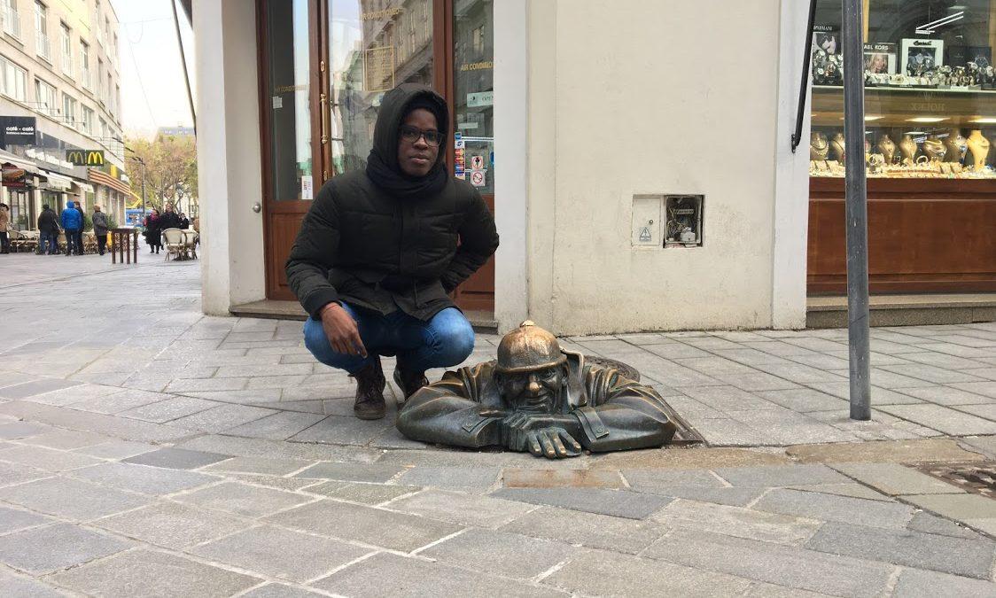 Afroameričan študujúci na Slovensku: Pociťujem podvedomý strach, ľudia mi dávajú najavo, že som iný