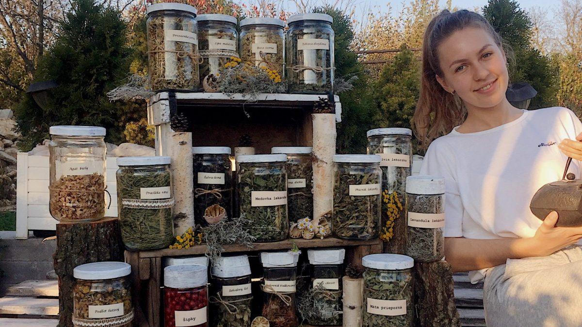 Liečivé rastliny sú najúčinnejšie ráno, no zápalu pľúc vás nezbavia nikdy, hovorí 20-ročná bylinkárka