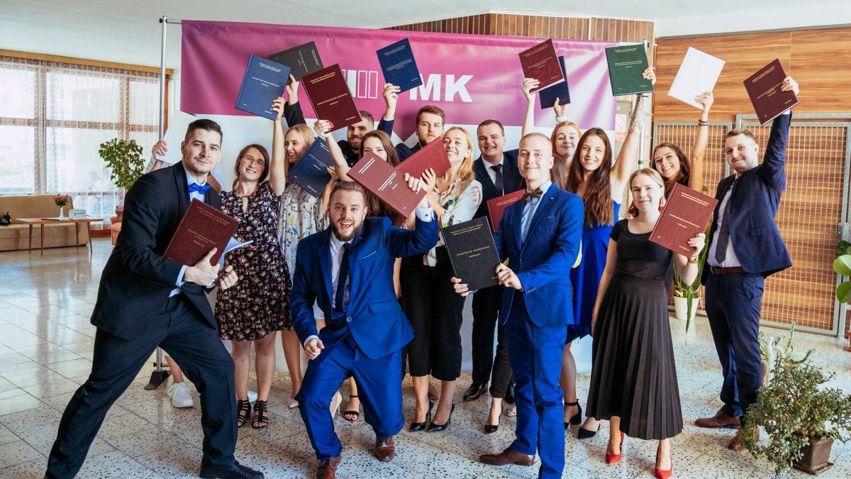 Richard vyhral vďaka diplomovke 1000 eur. Teraz radí, ako napísať úspešnú prácu