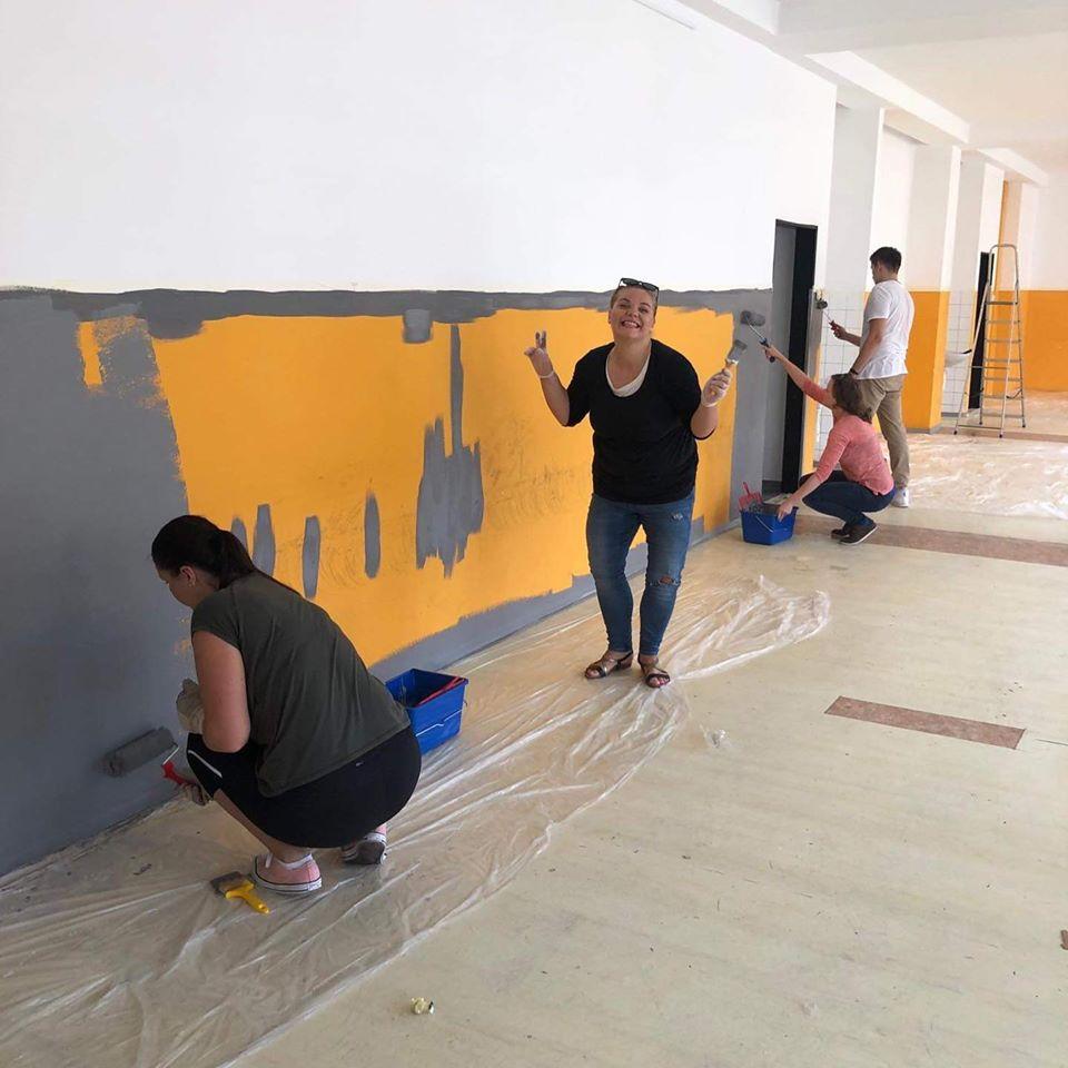 budova maľovanie študenti