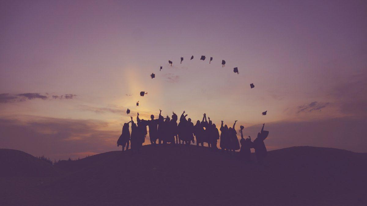 Uskutočnili sme veľký fakultný prieskum. Čo všetko plánujú absolventi FMK po štátniciach?