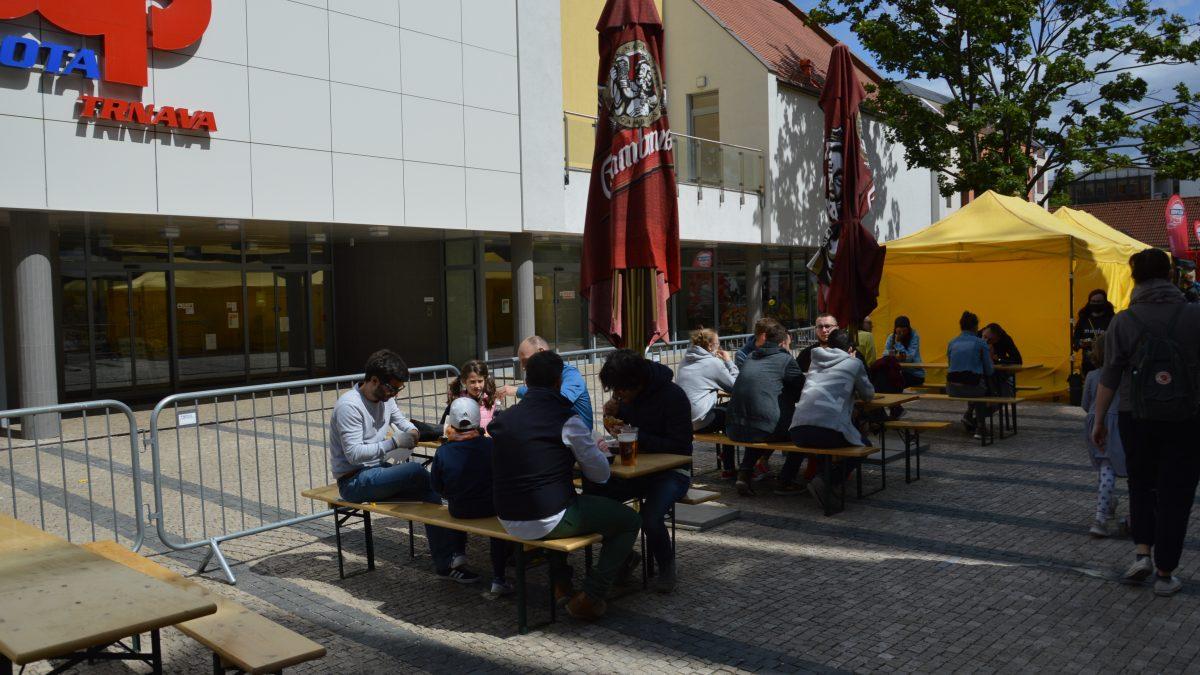 Fotoreportáž: Trnavský FOOD FEST mal rôzne hygienické opatrenia. Aké naň boli ohlasy?