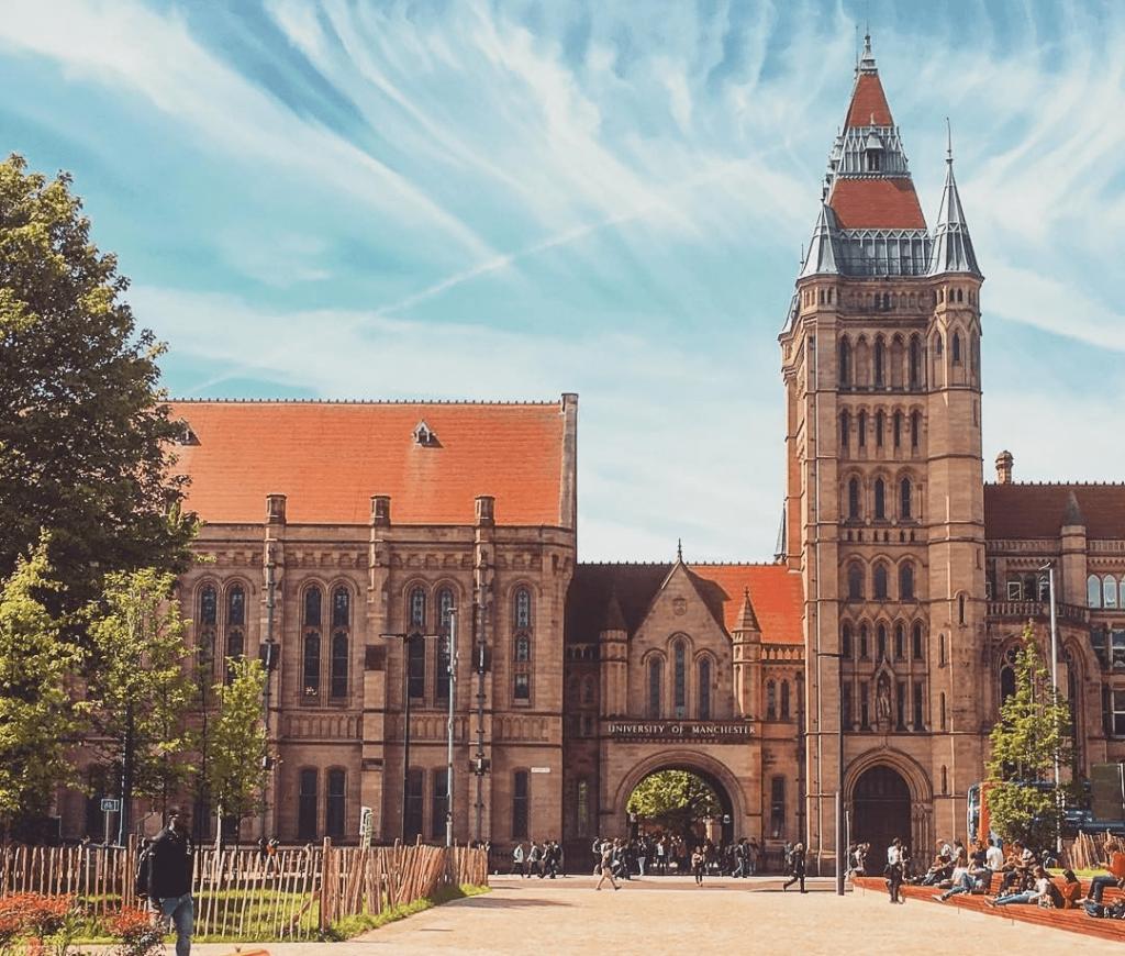 University of Manchester v Anglicku