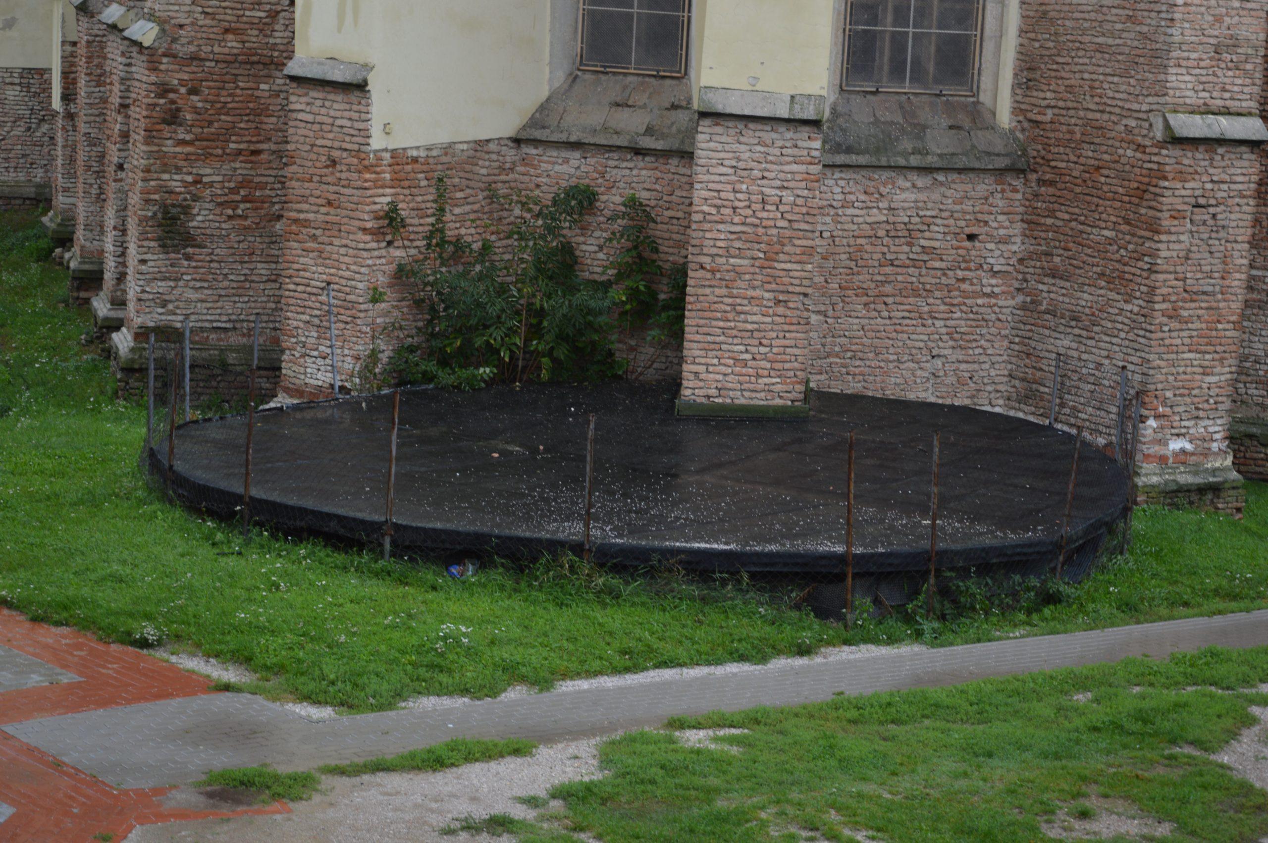 Zakrytá časť karneru z vonkajšej časti. Zdroj: Daniel Bíro