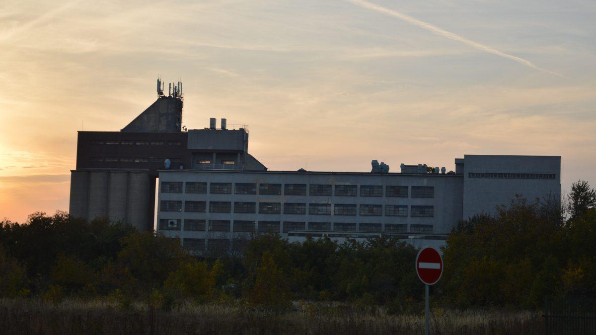 Automatický mlyn NUPOD je jednou z ikonických budov Trnavy. Zdroj: Daniel Bíro
