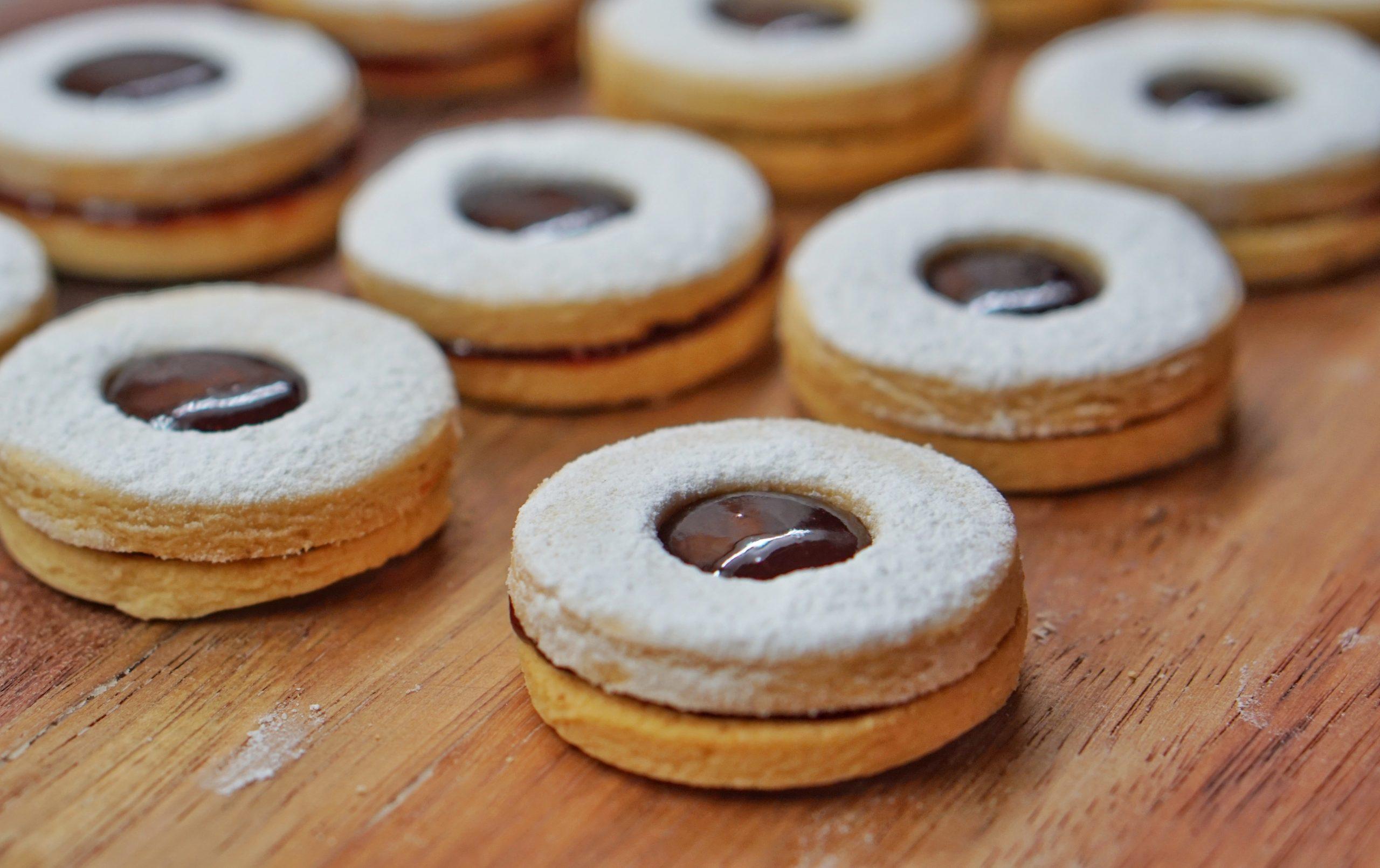Rakúske sušienky Linzer Kekse.