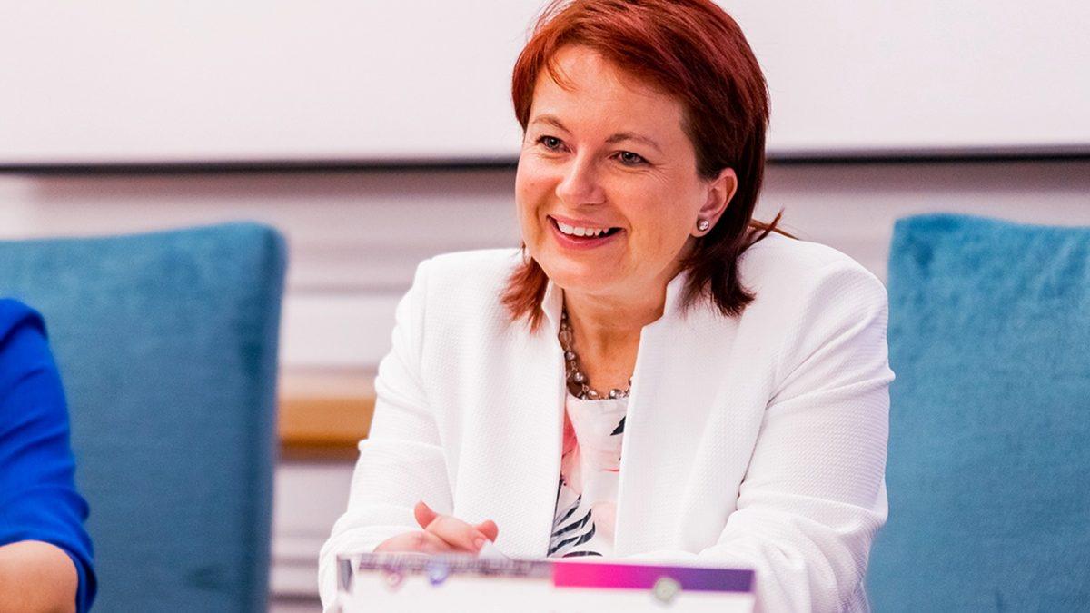 Podcastt: Vysoké školy sú podfinancované, ľudia nemajú motiváciu učiť, hovorí dekanka Čábyová